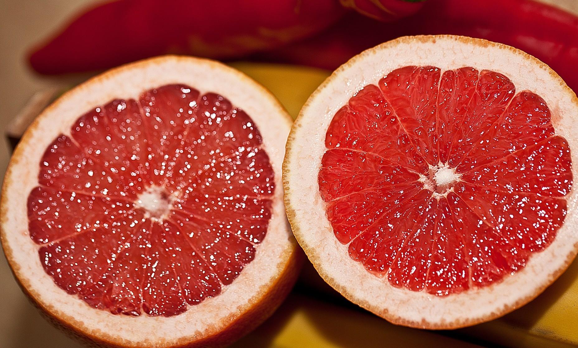 Grapefruit exports running at a jog